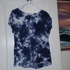 Cool tie dyed v-neck